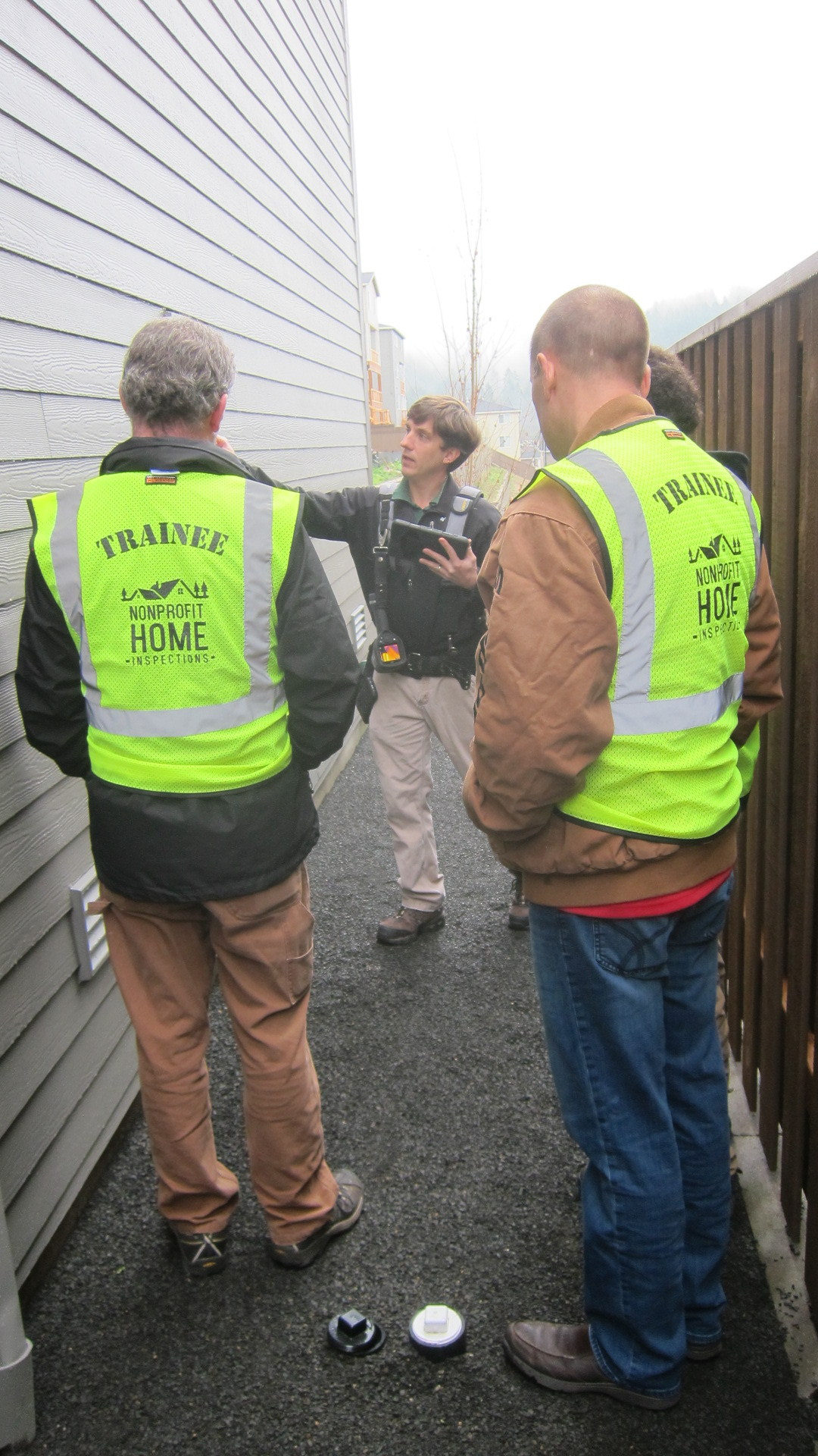 Fulfill Washington state's field training requirements by riding along with a licensed home inspector.