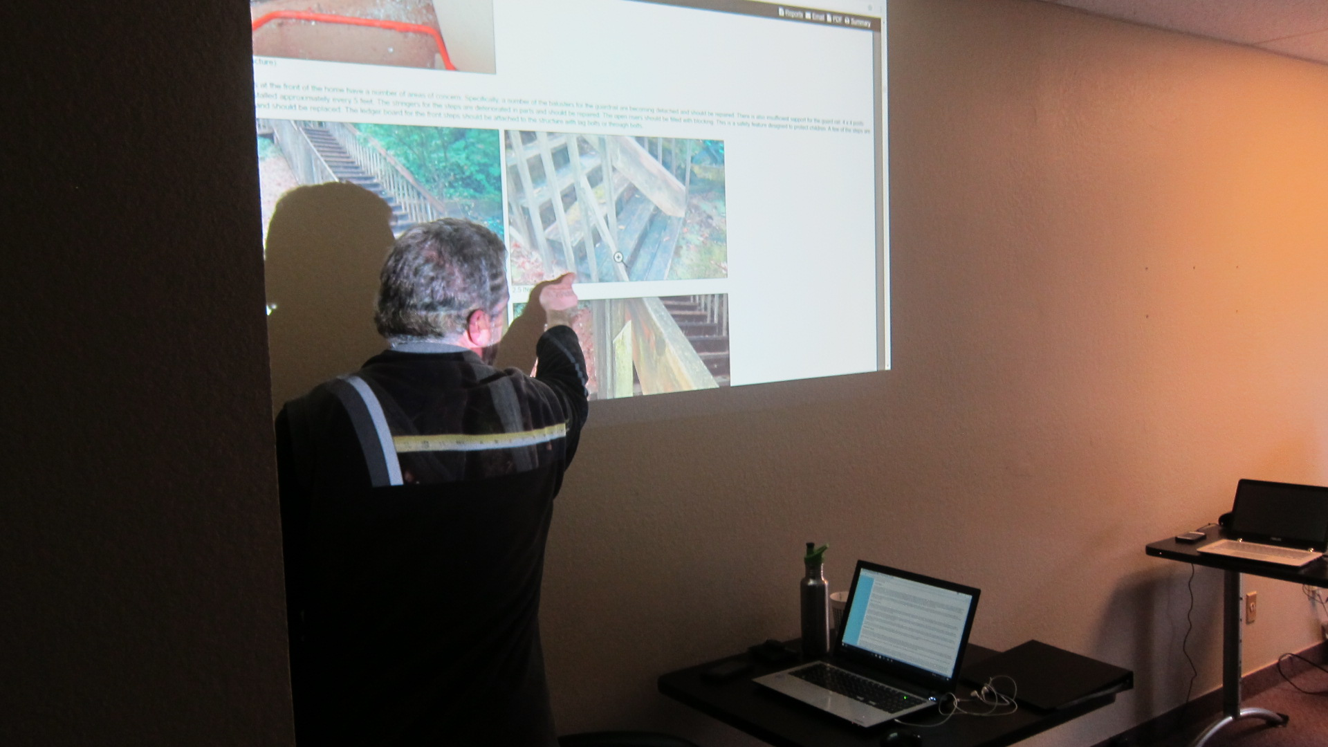 With a combination of web based and hands on instruction, our home inspector training program helps bring critical concepts together.